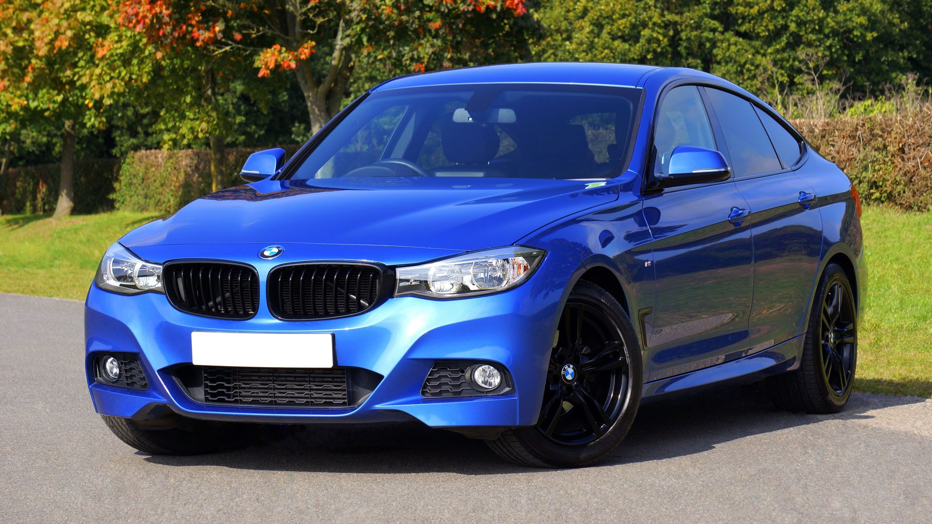 Love blue BMW? Personal Contract Purchase - PCP-Finance could be the way to get it.